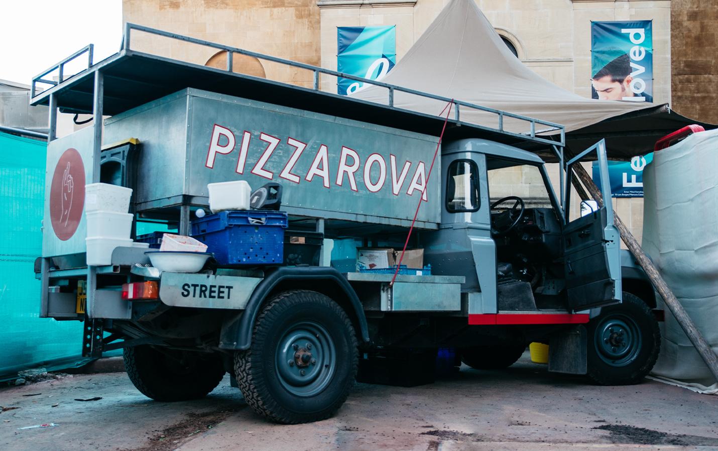 Exterior of Pizzarova Land Rover parked in Bristol